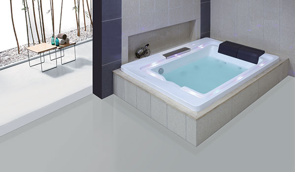 Nixie Bath Tub